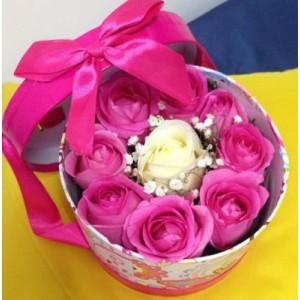 Розы 9 шт в подарочной коробке!