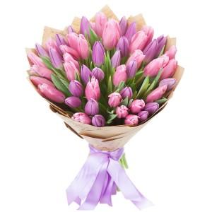 Букет из фиолетовых тюльпанов 51 шт.
