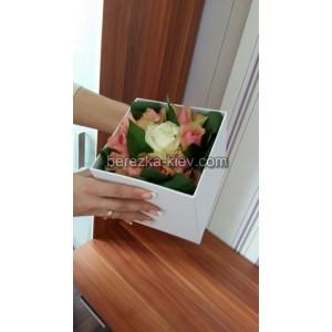 Розы 11 шт в подарочной коробке!