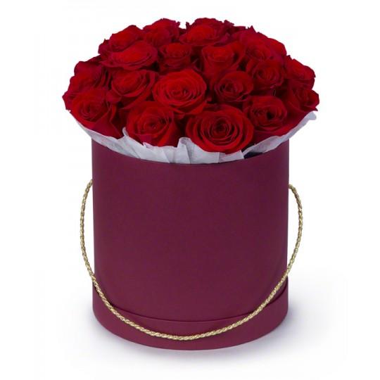 Красные розы 51 шт в подарочной коробке!