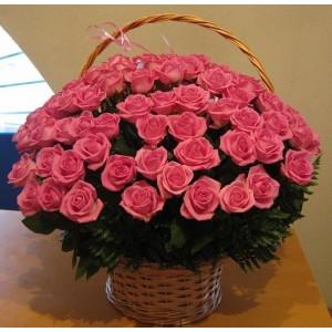 Корзина из розовых роз 51 шт.